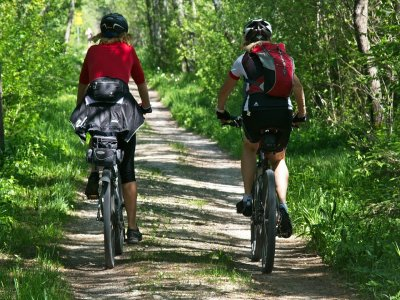 蒙特塞拉特半天电动山地自行车出租