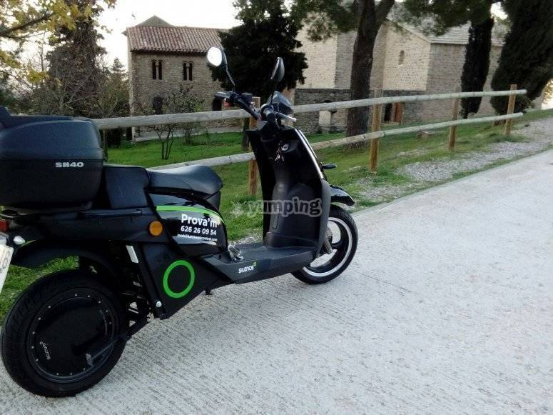Electric motorcycle hire