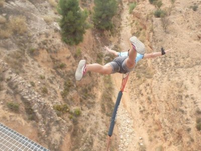 Bungee jumping a Villena 2 salti + 1 gratis