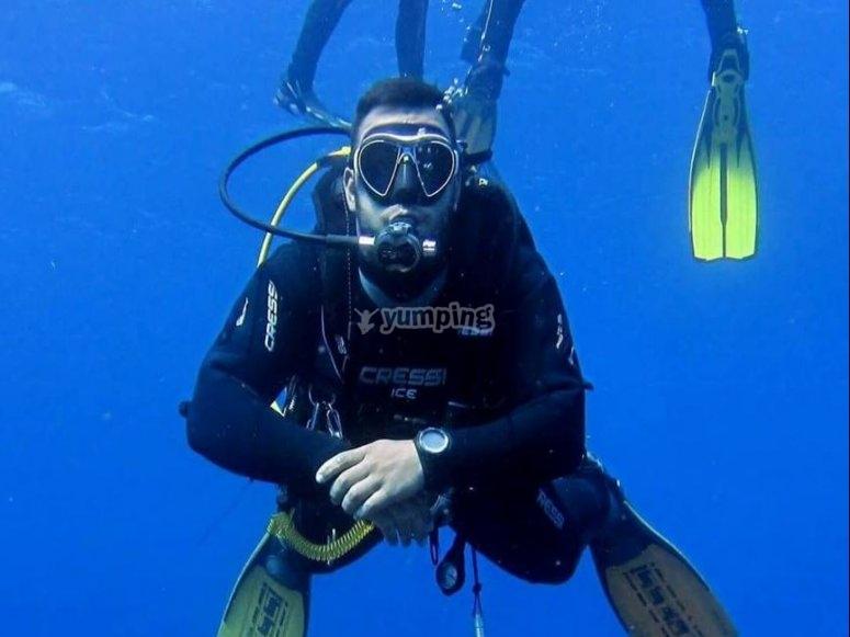 在海底体验