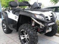 Quad aparcado en Puerto Banus