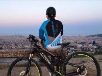 游览Collserola山电动自行车