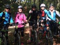 Ciclistas en Montserrat