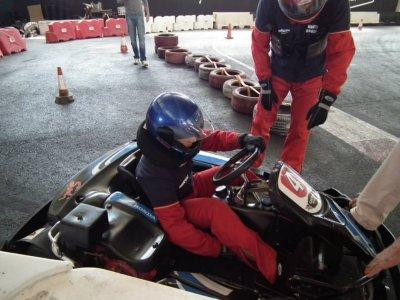 Tanda de karting indoor en Córdoba 8 minutos