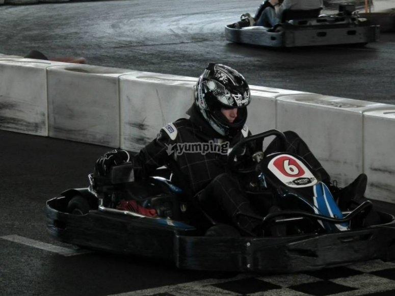 Pilota nel kart