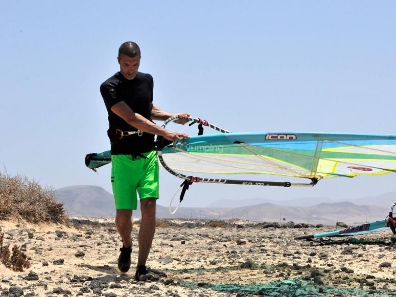 运输风帆冲浪设备