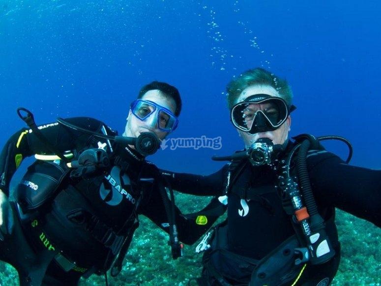 在马略卡岛潜水