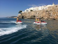 Route with two jet skis