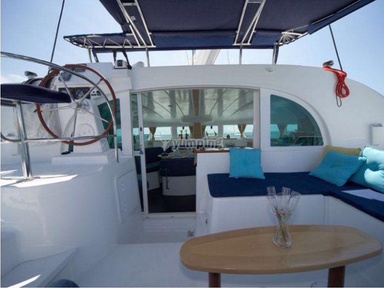 Cubierta del catamaran