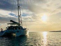 双体船乘坐马贝拉,低温3小时