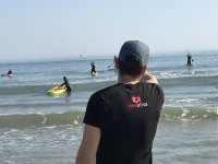 Monitor de paddle surf durante la clase