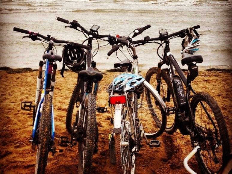 Bicicletas frente al mar