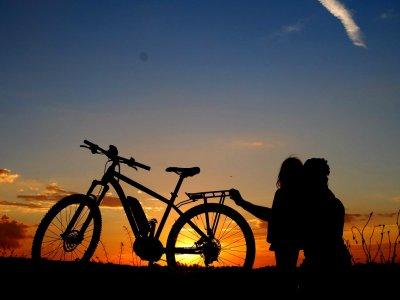 半天在卡拉夫租一辆山地自行车