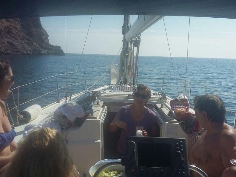 Navegando en velero en Ibiza