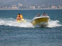 En la banana boat con los amigos