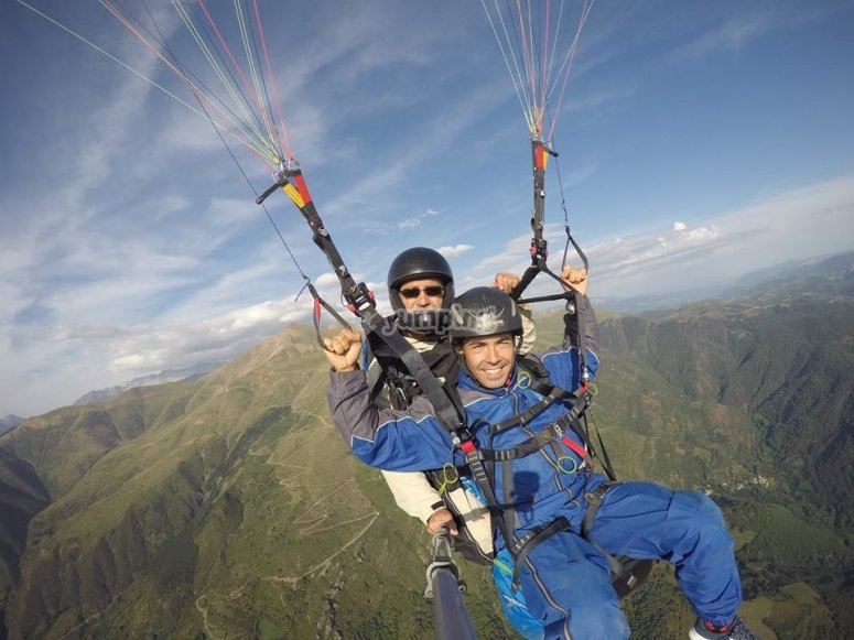 2-seater flight near the Pyrenees