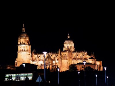 Ruta guiada por Salamanca iluminada 90 minutos