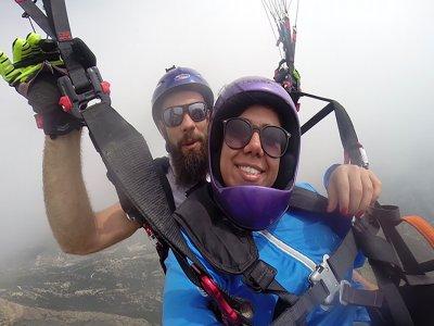 拉穆埃拉滑翔伞飞行的洗礼15分钟