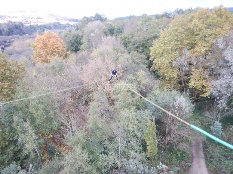 Experience bungee jumping