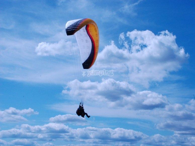Aventura en parapente por los cielos malagueños