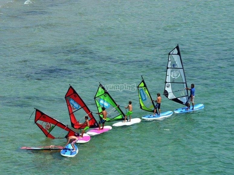 Gruppo di windsurf a Valencia
