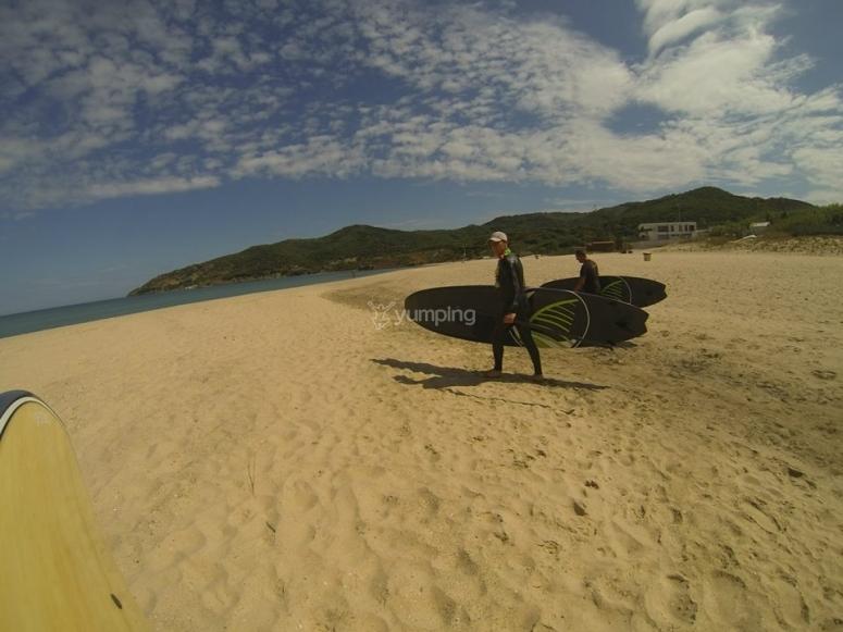 Tarifa的桨式冲浪板
