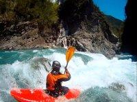 Descendiendo en kayak