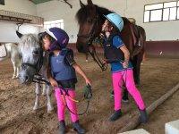 Besando al caballo
