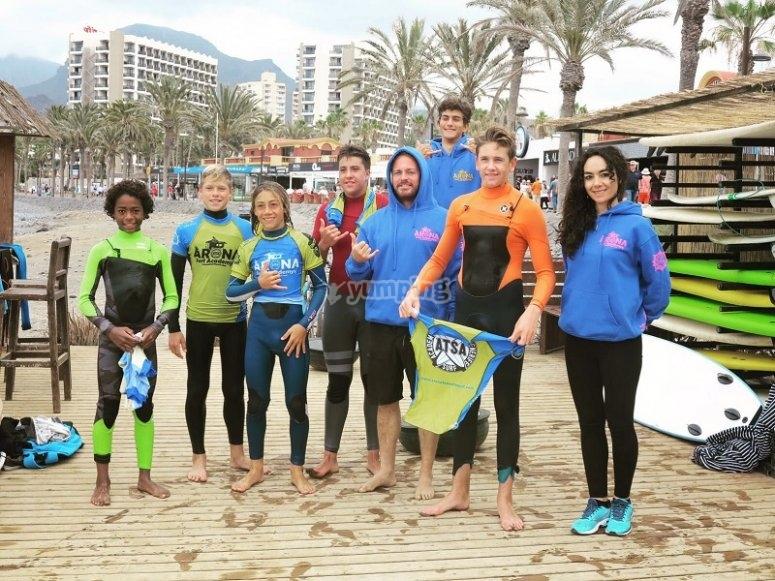 Participantes del surf camp
