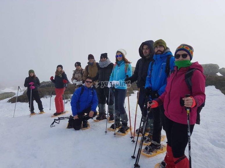 Group on the snow rackets route