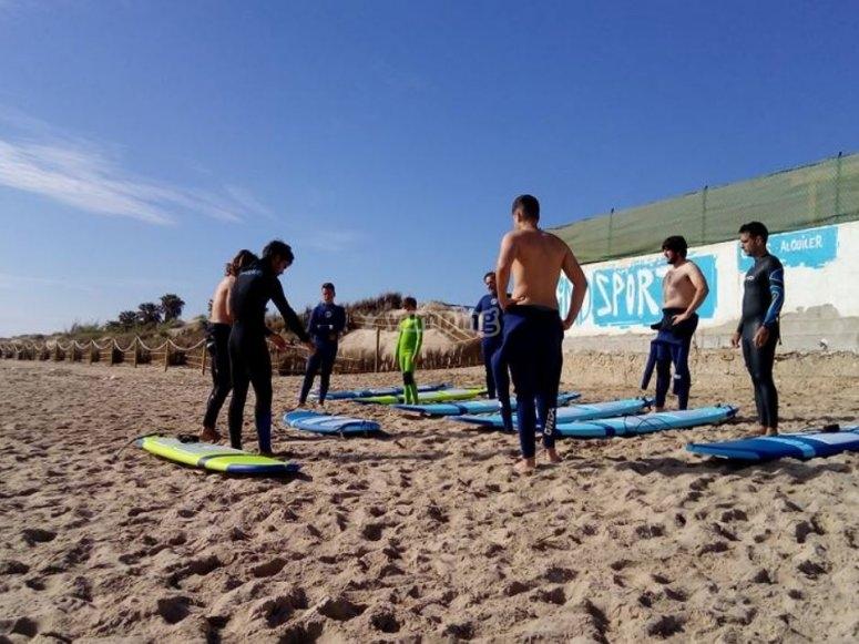 Aprendiendo las bases del surf