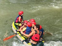 los peques hacen rafting