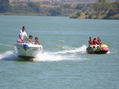 加的斯群岛的一系列航海活动