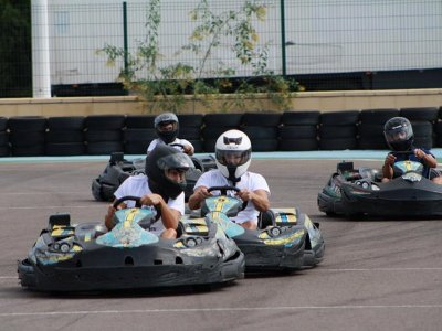 8-Minute Karting Race in Manises + Briefing