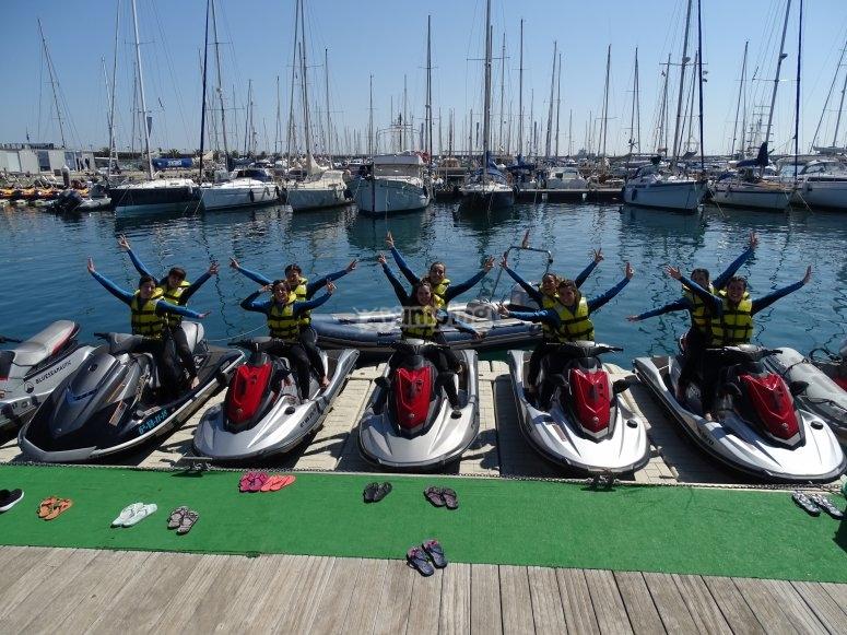 租赁水上的摩托艇
