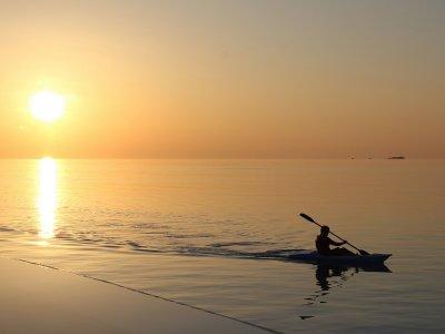 Ruta en kayak por costa de Barcelona 90 min grupos
