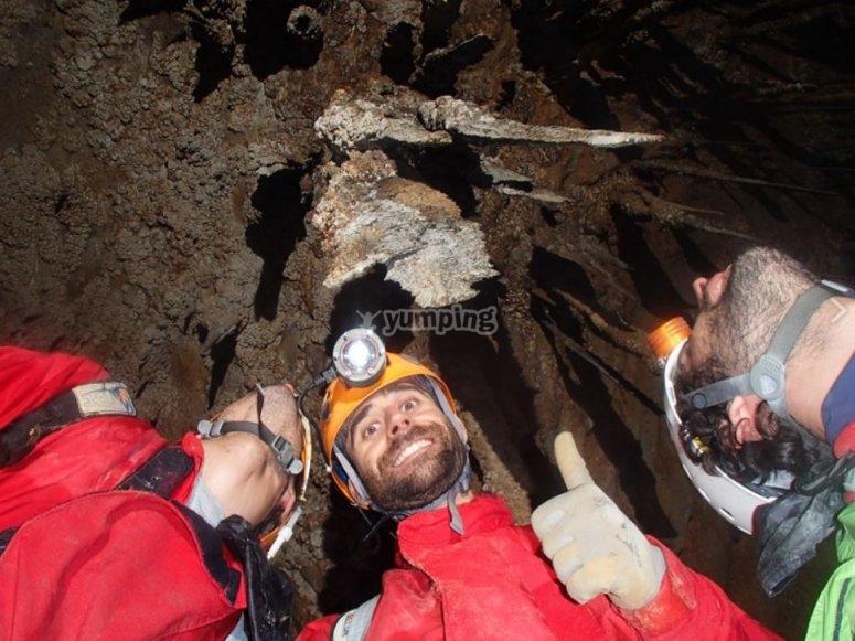 Mirando las sierras de la cueva de Cayuela