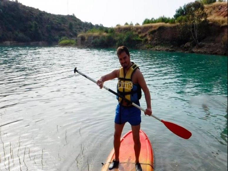 practicando paddle surf en Castellon