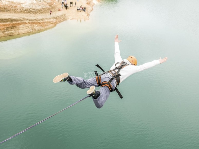 Flying after the bungee jump in Mula