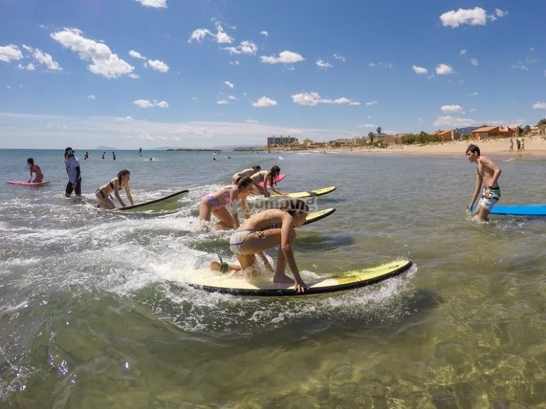 Surfing classes in Valencia