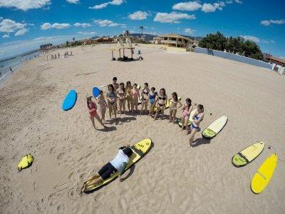 Lezione di surf a Valencia a qualsiasi livello 90 min