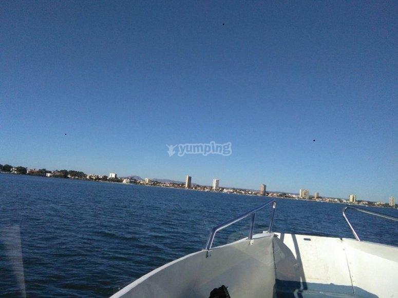 Dalla prua del traghetto nel Mar Menor