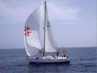 Navegando a vela en la costa murciana