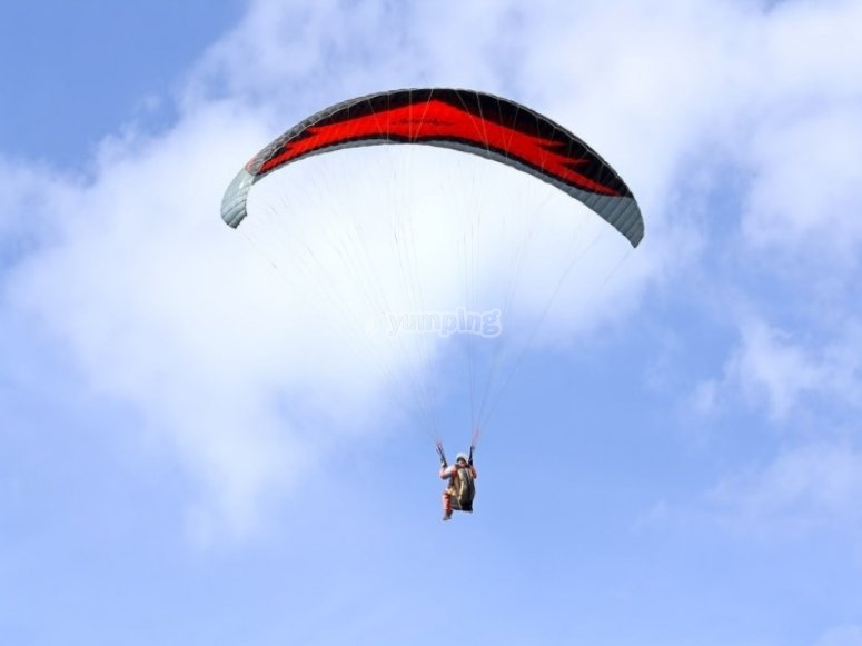 paraglide in the skies of Burgos