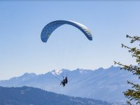 Paraglide tandem flight in the sierra