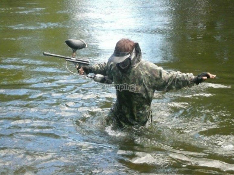 战争游戏在水中材质彩