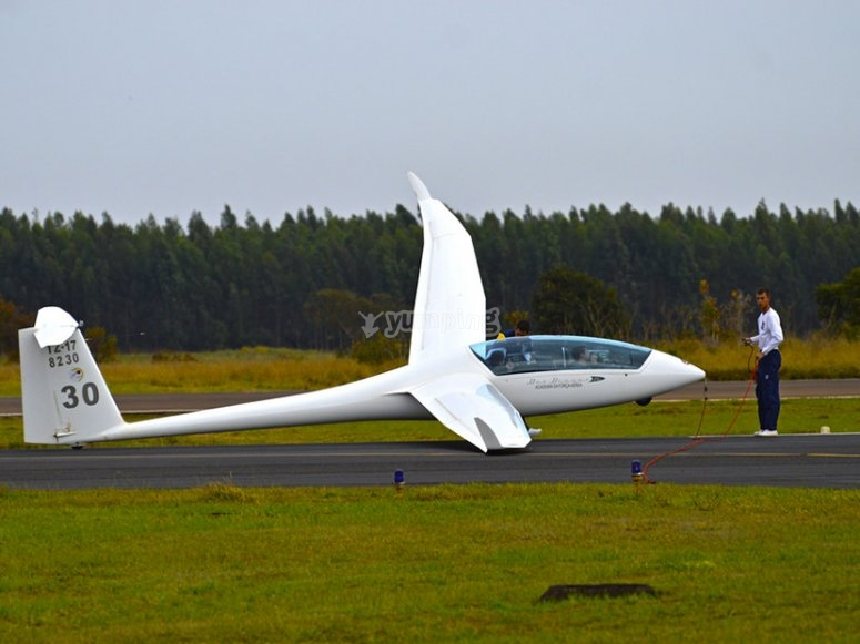 Glider lifting off