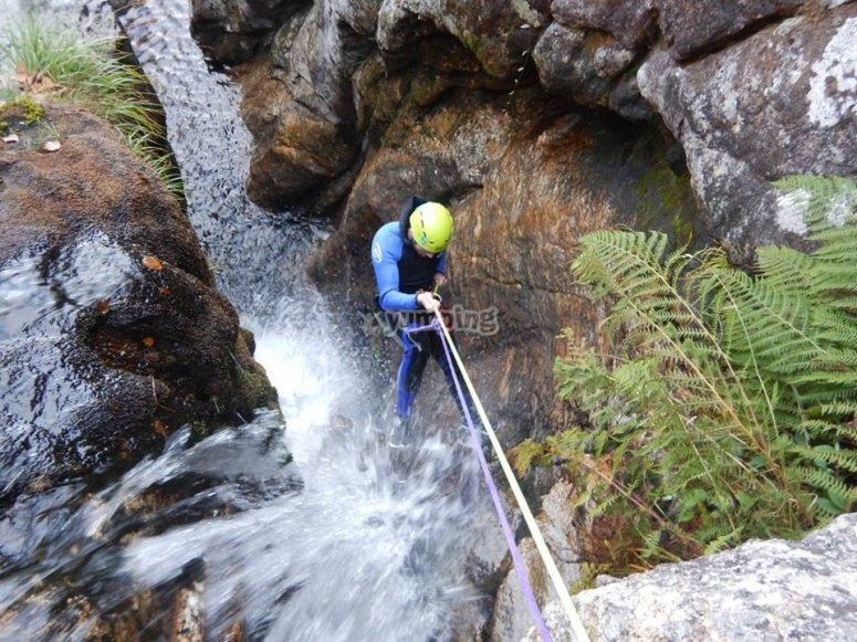 Descinding with a rope in Cortella ravine