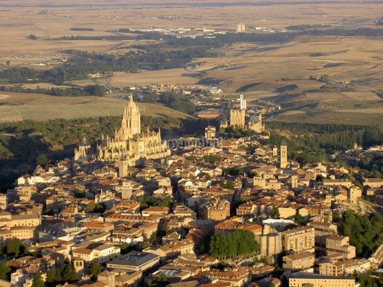 Centro de Segovia desde el aire