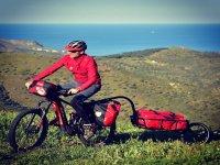 En prados únicos con la bici de montaña eléctrica